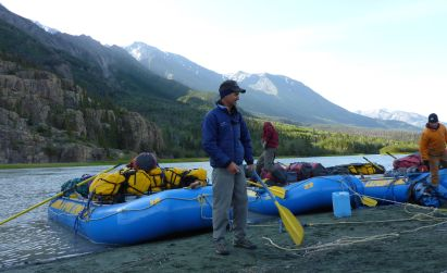 Whitey describes systems; first campsite Dezadeash River
